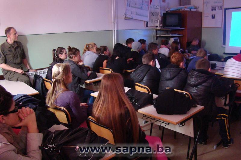 Pregedate slike iz članka: EUFOR održao predavanje za srednjoškolce